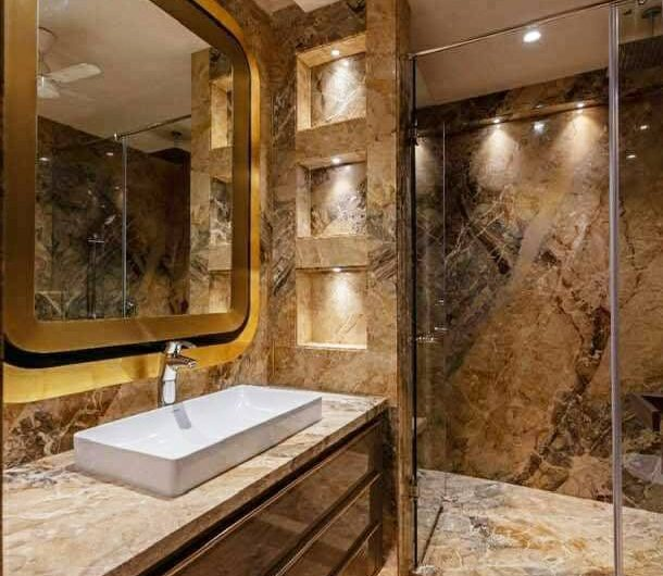 4bhk basement +Stilt+ Ground Floor independent floor in greater kailash-1, 500 sq yard
